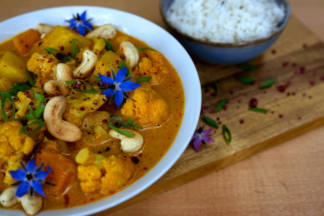 Blumenkohlcurry mit Pinkem Curry (Vegan)